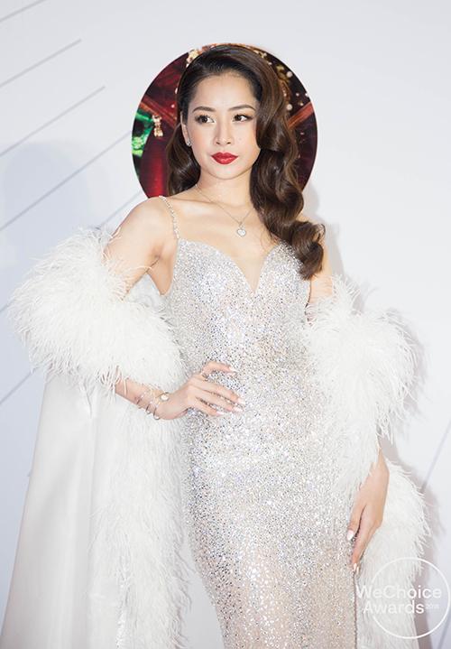Chi Pu xuất hiện xinh đẹp như nữ thần.