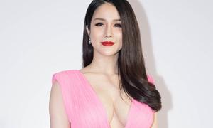 Váy khoe ngực gây sốc của Diệp Lâm Anh bị nghi là hàng nhái