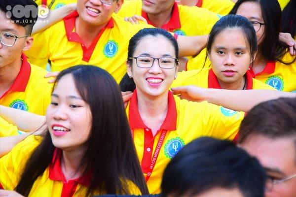Gương mặt bạn nào cũng vô cùng tươi tắn và sẵn sàng bước vào chiến dịch tình nguyện đầu tiên của năm 2019.