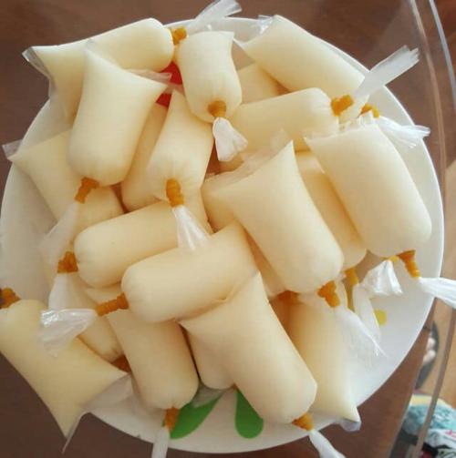 Sữa chua túi buộc dây chun ngày ấy hương vị gấp vạn lần sữa chua đóng hộp bây giờ.