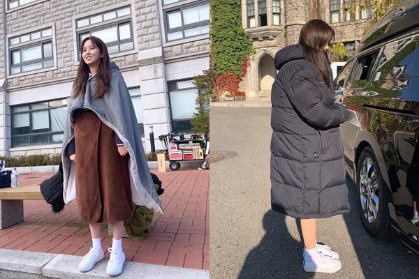 Kim So Hyun trang bị đủ chăn, khăn choàng, áo phao dài ấm áp để chống lạnh khi quay phim.