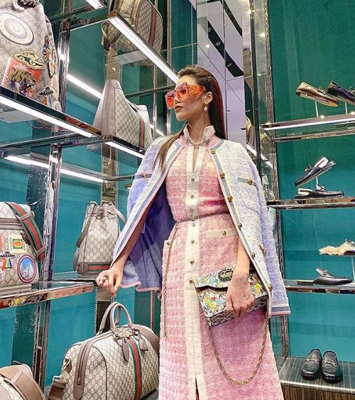 Cuộc sống của cô gắn liền với những chuyến mua sắm hàng hiệu xa xỉ. Sau khi kết hôn, Lan Khuê vẫn theo đuổi công việc người mẫu và tham gia các hoạt động giải trí. Tuy nhiên cô cũng dành thời gian để phụ việc kinh doanh của chồng.