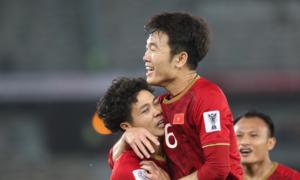 CĐV châu Á: 'Việt Nam thi đấu quá ấn tượng'