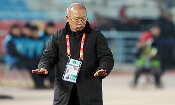 Dưới thời cầm quân của HLV này, tuyển Việt Nam với những chân sút trẻ đã có những màn thi đấu khởi sắc. Nhiều người khâm phục về chiến lược, tư duy và tài dùng người của ông Park. Đó là lý do, ông sở hữu lượng người hâm mộ không ít tại Việt Nam và quê nhà Hàn Quốc.