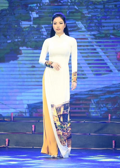 Hoa hậu các dân tộc Ngọc Anh.