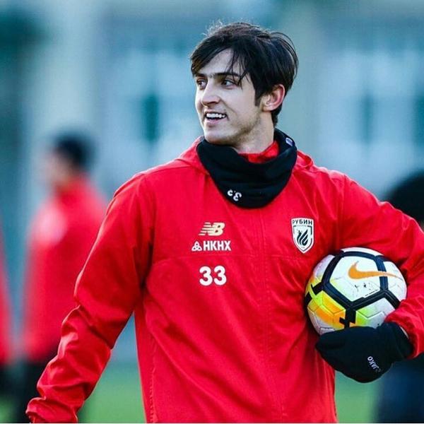 Sardar Azmoun là chân sút số 1 của tuyển.