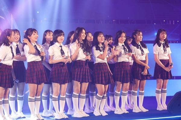 Nhóm nhạc nữ đông thành viên nhất Vpop: SGO48 nhí nhảnh, đáng yêu.
