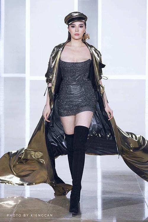 Gần đây nhất, hồi cuối tháng 11/2018, Kỳ Duyên được NTK Chung Thanh Phong giao vị trí vedette kết màn. Cô sải những bước đi quyền lực trong bộ đồ gợi cảm. Ở các show thời trang khác, Kỳ Duyên đều đặn góp mặt với vai trò khách mời hàng ghế đầu.