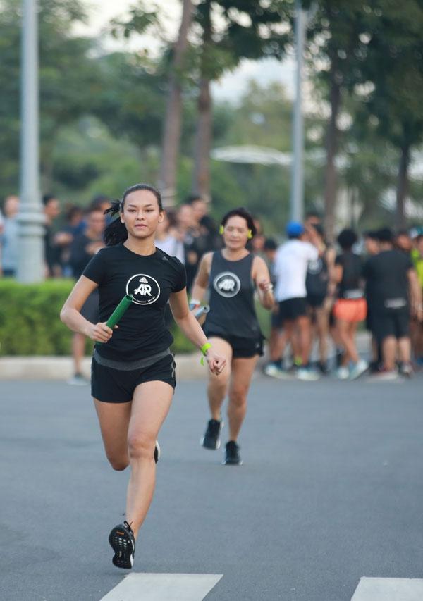 Diễm My, Mai Ngô, Mâu Thủy chạy đua giành tên lửa SolarBoost - 1