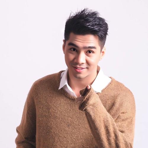 Với khả năng hoạt ngôn, PewPew được mời trở thành Host - VJ của các chương trình livestream cùng Thu Minh, Phạm Quỳnh Anh, MLee, rapper Binz, siêu mẫu Minh Tú, Á quân The Face 2017 Đồng Ánh Quỳnh...