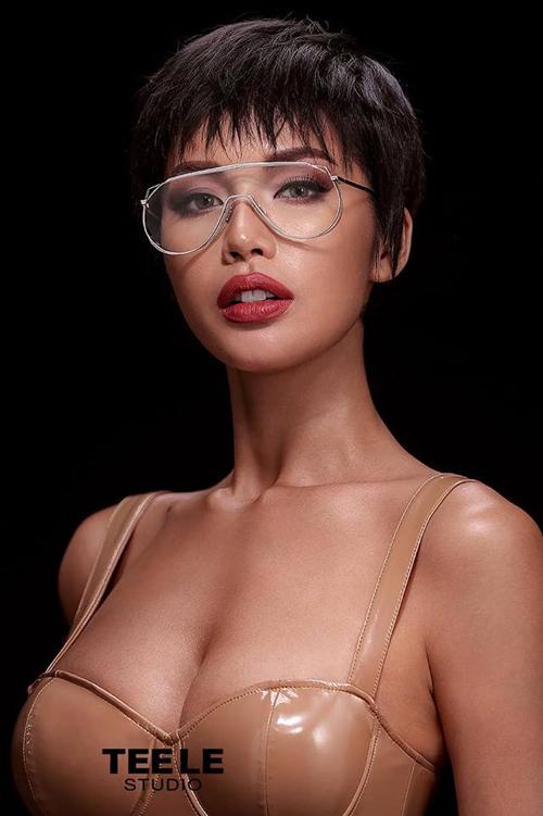 Minh Tú được khen vừa sexy vừa cá tính khác lạ khi thử nghiệm tóc tém.