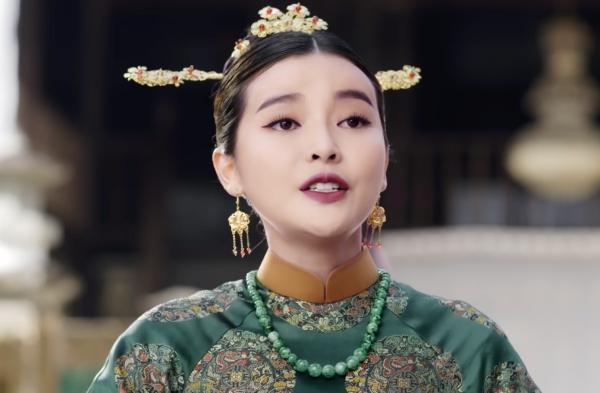 Cao Thái Hà đóng vai ác trong phim cung đấu.