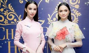 'Thiên thần chuyển giới' Thái Lan diện áo dài bên Hương Giang