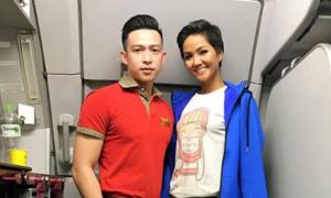 H'Hen Niê bị soi mặc áo 40k, đi giày bẩn lên máy bay
