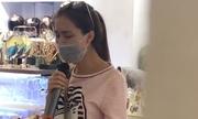 Hòa Minzy bịt khẩu trang hát live 'Rời bỏ'