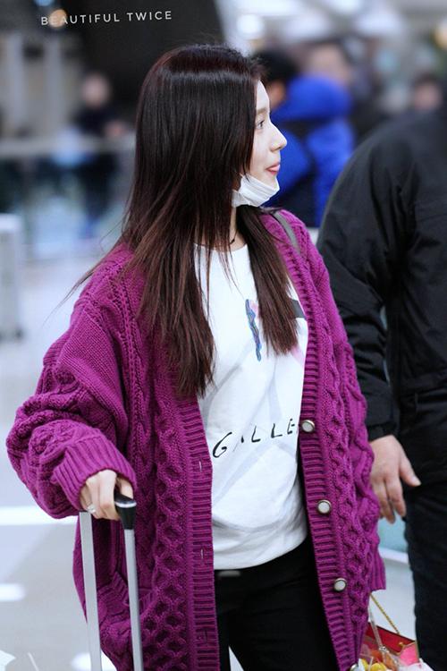 Sana cũng trở về Hàn và Twice chuẩn bị cho tiết mục ở lễ trao giải, kế hoạch comeback mới.