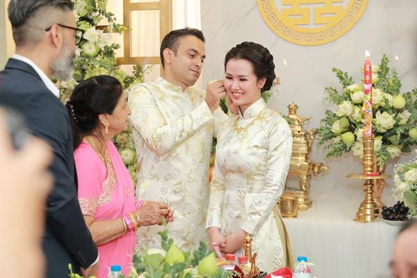 Võ Hạ Trâm được nhà chồng tặng nhiều sính lễ cưới.