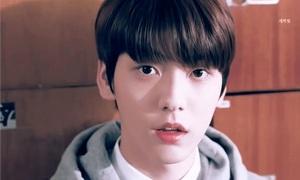 Trưởng nhóm 'em trai BTS' - con nhà người ta trong truyền thuyết