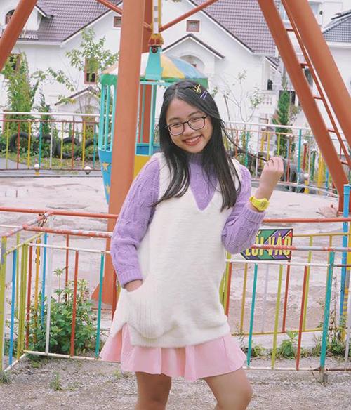 Phương Mỹ Chi diện đồ màu sắc, nhí nhảnh đón chào tuổi 16 ngọt ngào.