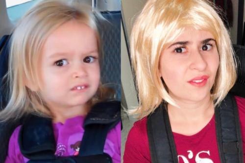 10 năm và biểu cảm ấy vẫn không thay đổi với cô gái này.