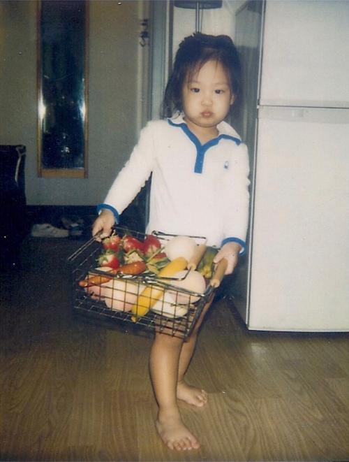 Jennie có nhiều bức hình ngày bé dễ thương nhưng YG không chọn.