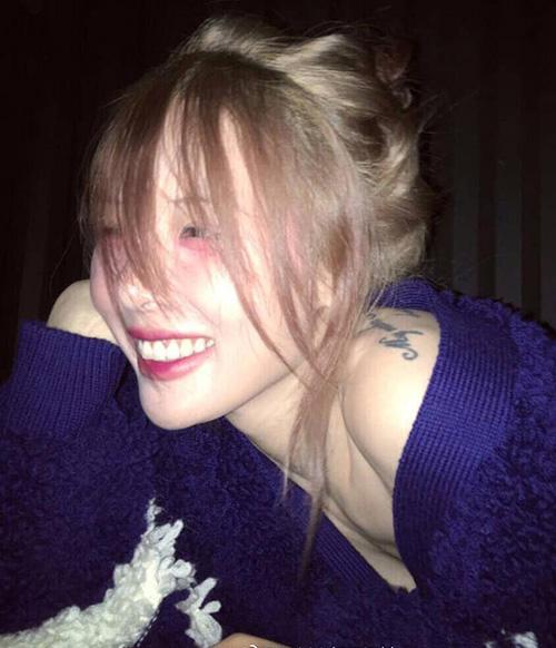 Dù có nhan sắc không phải dạng vừa nhưng Hyun Ah liên tục tự dìm hàng bằng những cách làm đẹp khó hiểu.