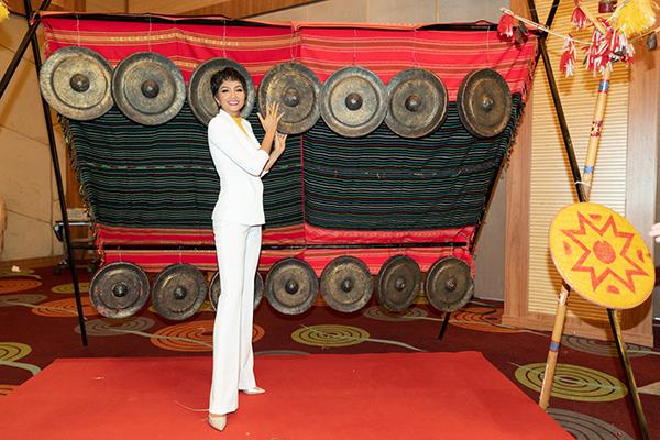 trở thành Đại sứ truyền thông của Lễ hội Cà phê Buôn Ma Thuột năm 2019 tại Đắk Lắk ngày 15/01, góp phần giới thiệu cà phê tỉnh nhà và quảng bá cà phê Việt Nam vươn xa thế giới.