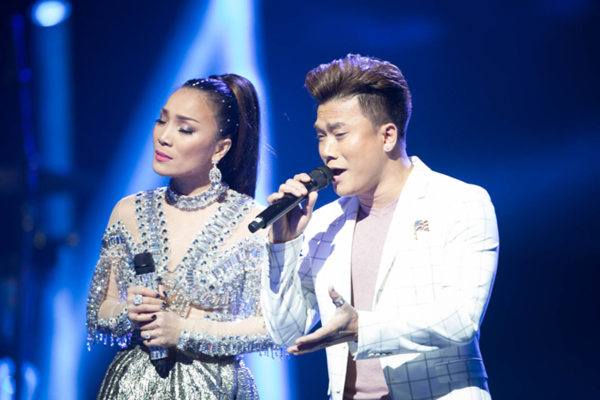 Khang Việt là em trai ruột của ca sĩ Hồng Ngọc.
