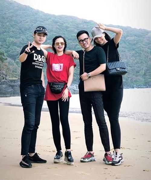 Hồng Quế, Hà Duy cùng cặp đôi Dương Hoàng Yến - Hà Anh rủ nhau ra biển Côn Đảo chơi.