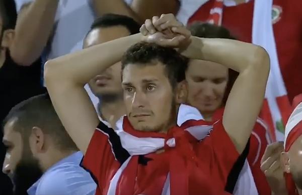 Cầu thủ Lebanon gục đầu, ôm mặt khóc vì không tin trao quyền đi tiếp cho Việt Nam - 9