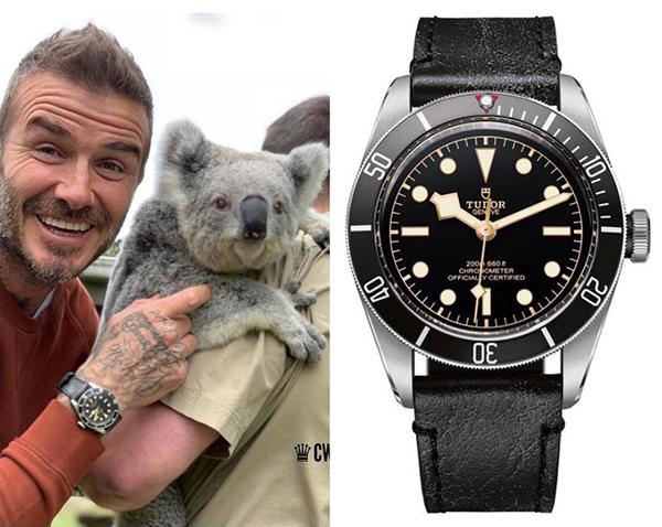 Ông bố 4 con David Beckham chứng minh vì sao mình vẫn là người đàn ông hấp dẫn nhất hành tinh dù đã ngoài tứ tuần bằng phong cách lịch lãm thường thấy. Một trông những chiếc đồng hồ yêu thích của anh là chiếc Tudor Black Bay có mức giá khoảng 90 triệu đồng.