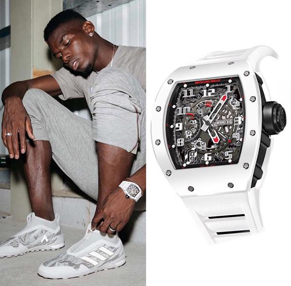 Nhà vô địch thế giới Paul Pogba cũng thể hiện độ chịu chi với chiếc RM030 White Rush giới hạn 50 chiếc trên toàn thế giới, làm từ Carbon TPT và Ceramic trắng, siêu nhẹ và chống xước với mức giá khoảng 3,2 tỉ đồng