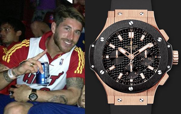 Đồng đội cũ của Ronaldo  Sergio Ramos là một tín đồ của Hublot khi thường xuyên xuất hiện cùng những chiếc đồng hồ từ thương hiệu này, từ những chiếc vài trăm triệu cho đến vài tỉ đồng. Chiếc yêu thích nhất của Ramos là Big Bang Evolution làm từ vàng và ceramic có giá hơn 600 triệu đồng.