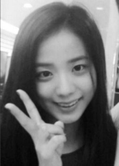 Hành trình nhan sắc chưa bao giờ biết xấu của Ji Soo (Black Pink) - 1