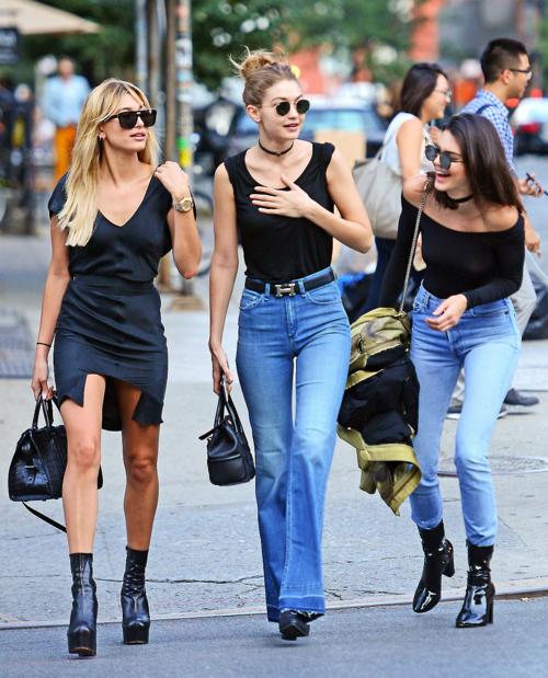 Kendall và Gigi có tình bạn thân thiết với Hailey.
