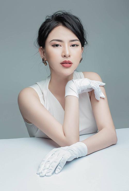 Hot girl 9x Hà Nội phủ nhận ồn ào tố Huyền My để PR tên tuổi