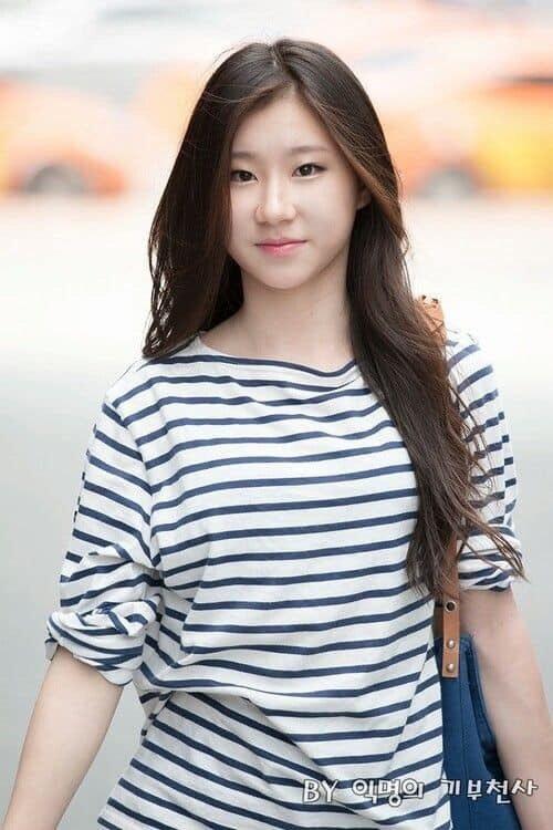 Nhóm nữ toàn 10X của JYP: Visual độc đáo nhưng bị chê ná ná Black Pink - 4