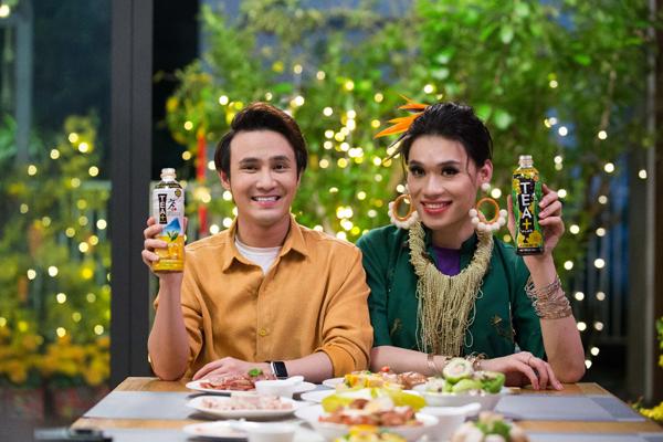 Với trà Ô Long TEA+ PLUS và trà chanh Ô Long TEA+ PLUS cặp đôi sẽ giúp bạn ăn Tết ngon - nhẹ dáng son.