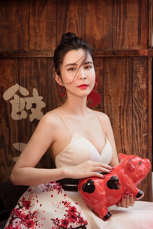 [Caption]  Năm 2019, Huỳnh Vy cho biết sẽ lấn sân sang lĩnh vực dẫn chương trình.