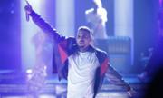 Chris Brown bị bắt tại Pháp vì cáo buộc hiếp dâm