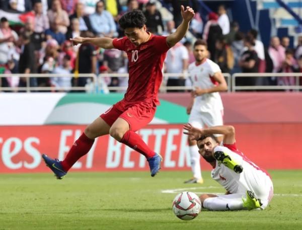Báo nước ngoài chọn 5 cầu thủ Việt ấn tượng nhất tại Asian Cup 2019 - 2