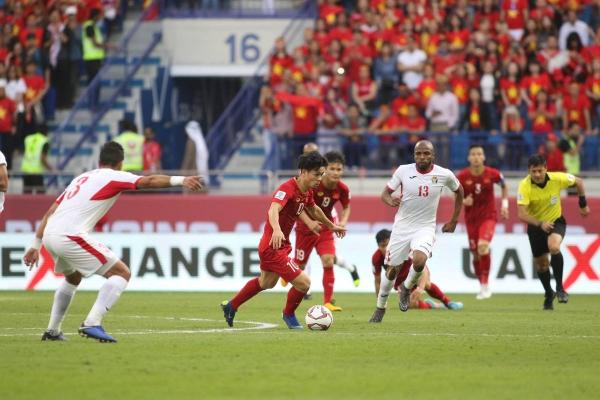Việt Nam đã có một chiến thắng thuyết phục trước Jordan để tiến vào vòng tứ kết.
