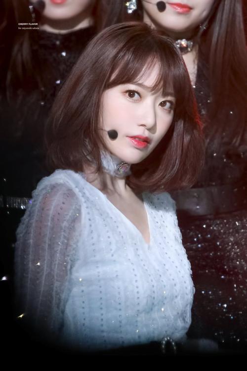 Netizen nhận xét Sakura có hình tượng giống những ác nữ xinh đẹp trong phim truyền hình.