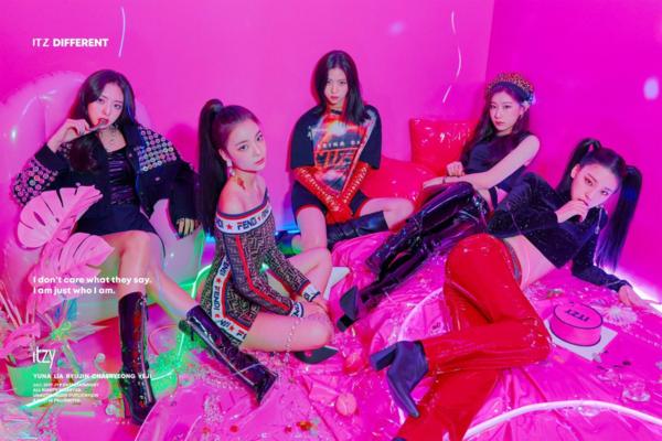 Chưa chính thức debut, TXT và ITZY đã được netizen gọi là BTS - Twice tương lai - 1