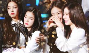 Jennie lại 'SOLO', fan của 3 cặp đôi này đang 'mừng thầm'