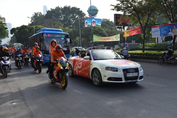 Đoàn xe thể thao chào mừng sự kiện Vietnamobile ra mắt chiến dịch 4G UP.