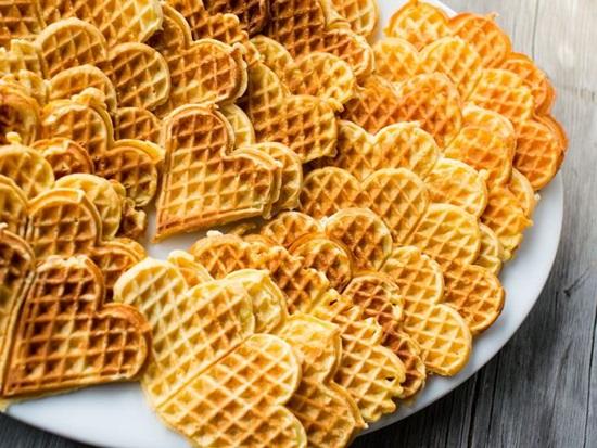 Bánh waffle (bánh quế)
