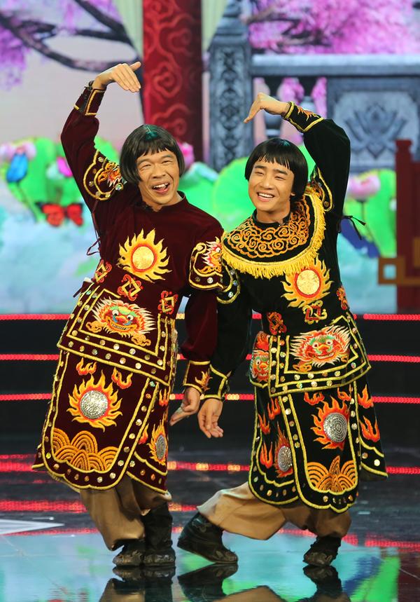 <p> Trung Ruồi và Duy Nam đảm nhận vai hai phó Thiên lôi. Sau 3 năm tham gia, hai nghệ sĩ trẻ có nhiều đất diễn hơn.</p>