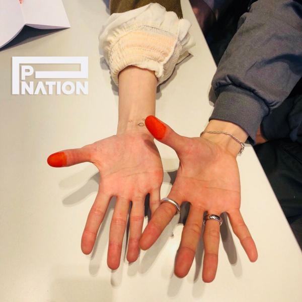 Cặp đôi chính thức trở thành những nghệ sĩ dưới trướng P Nation.