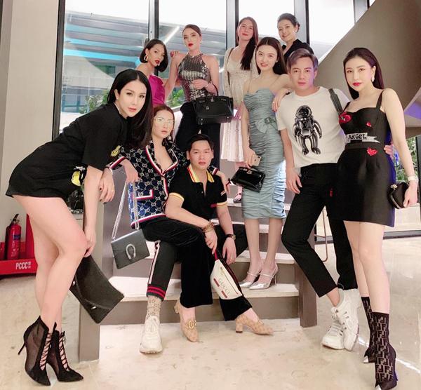 Hội bạn thân sang chảnh của Diệp Lâm Anh tụ tập đi chơi tất niên.